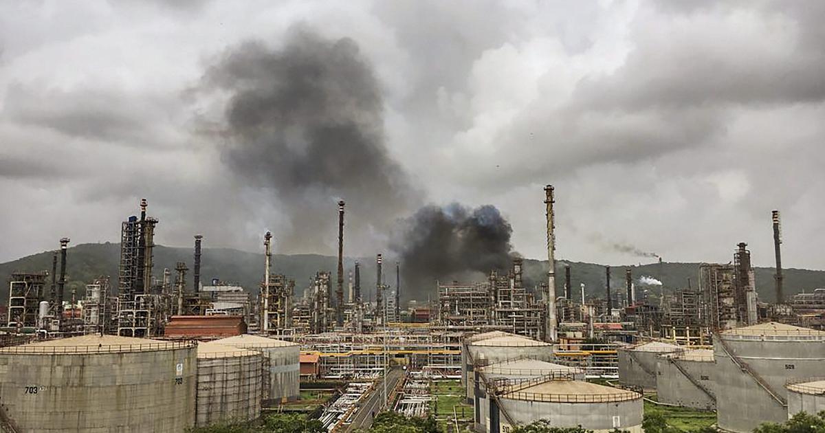 Mumbai: Fire breaks out at Bharat Petroleum plant in Chembur, 45 injured