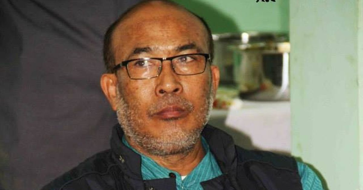 Manipur: Journalists protest outside CM's bungalow after colleague is arrested for Facebook posts