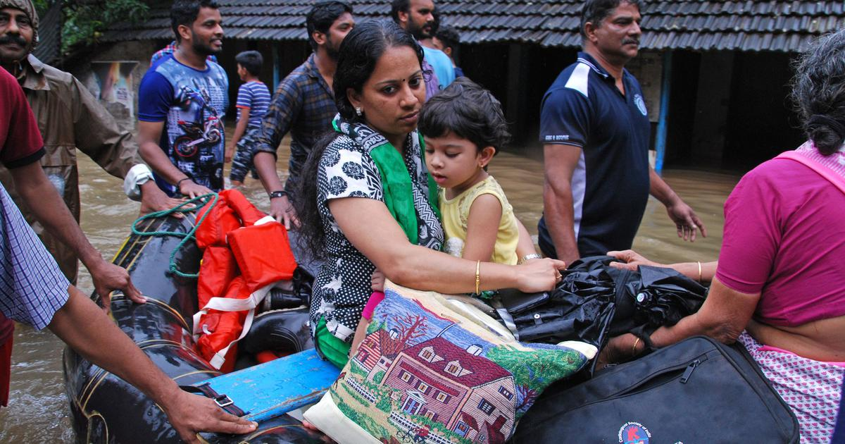 Kerala: Mobile networks break down in some areas as floods disrupt electricity and fuel supply
