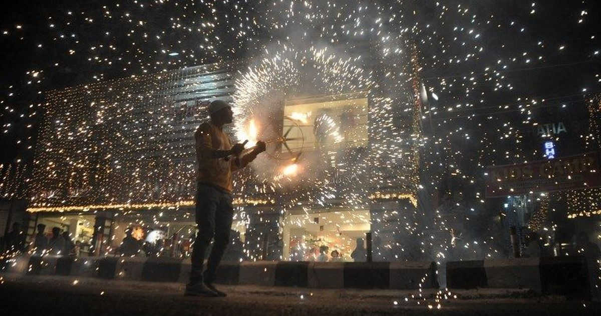 Centre pushes for 'green crackers' this Diwali, opposes plea in Supreme Court for blanket ban