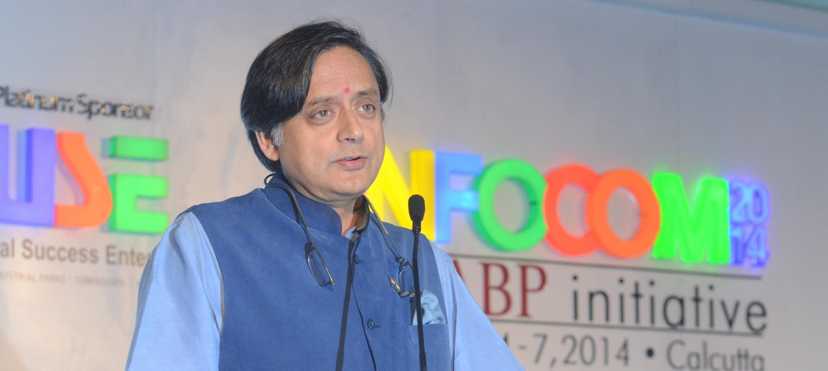 Sunanda Pushkar case: Delhi Police hand over chargesheet and witness statements to Shashi Tharoor