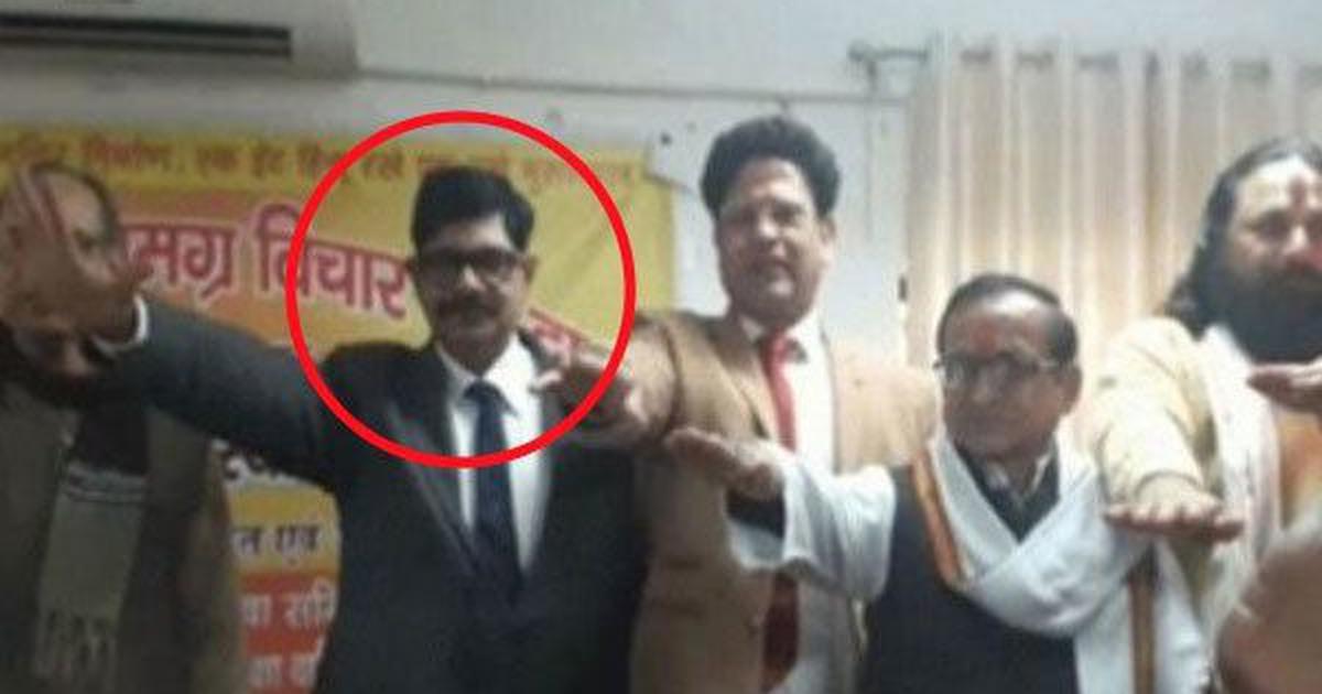 Uttar Pradesh: IPS officer offers to help Adityanath in 2019 Lok Sabha polls after retirement