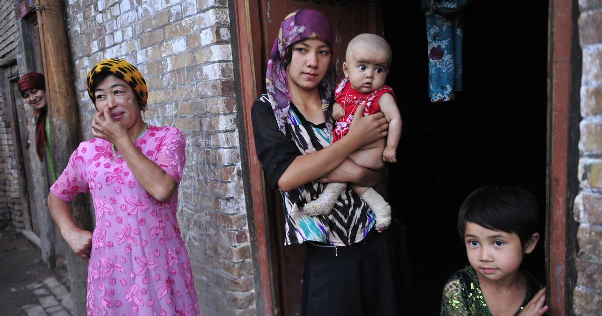 Release illegally detained Uyghurs from 're-education camps', UN panel urges China