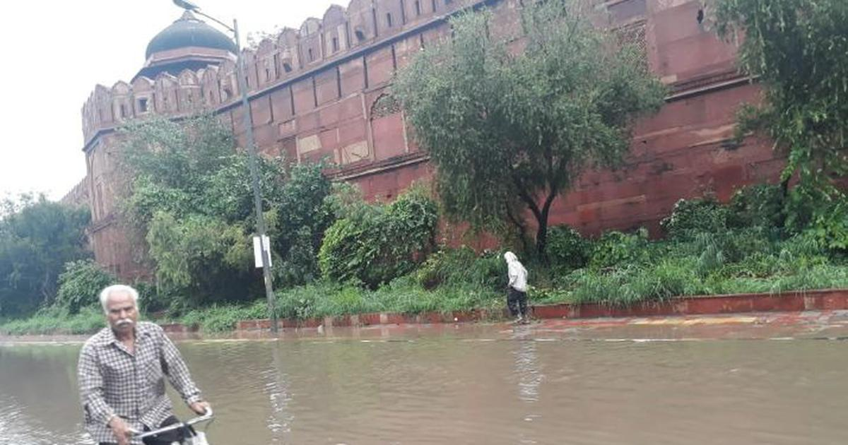 Delhi: Heavy showers cause water-logging and traffic jams in several parts of the city