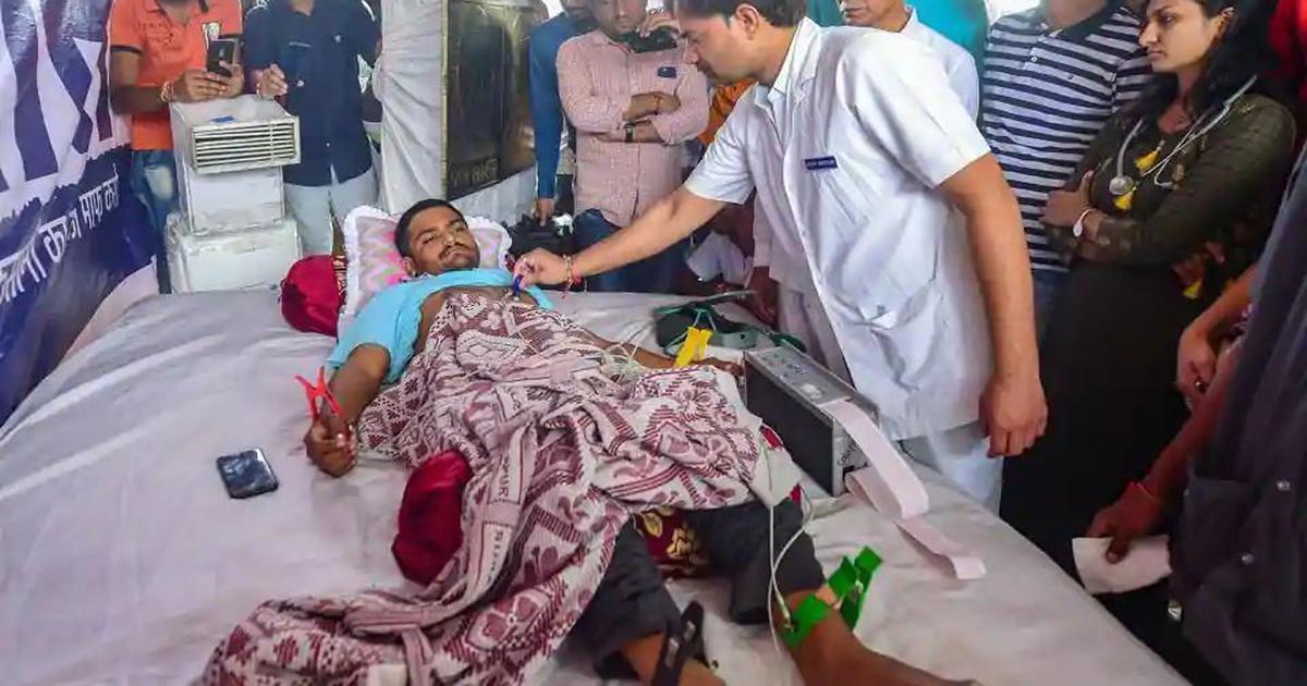 Gujarat: Hardik Patel draws up will as fast enters ninth day