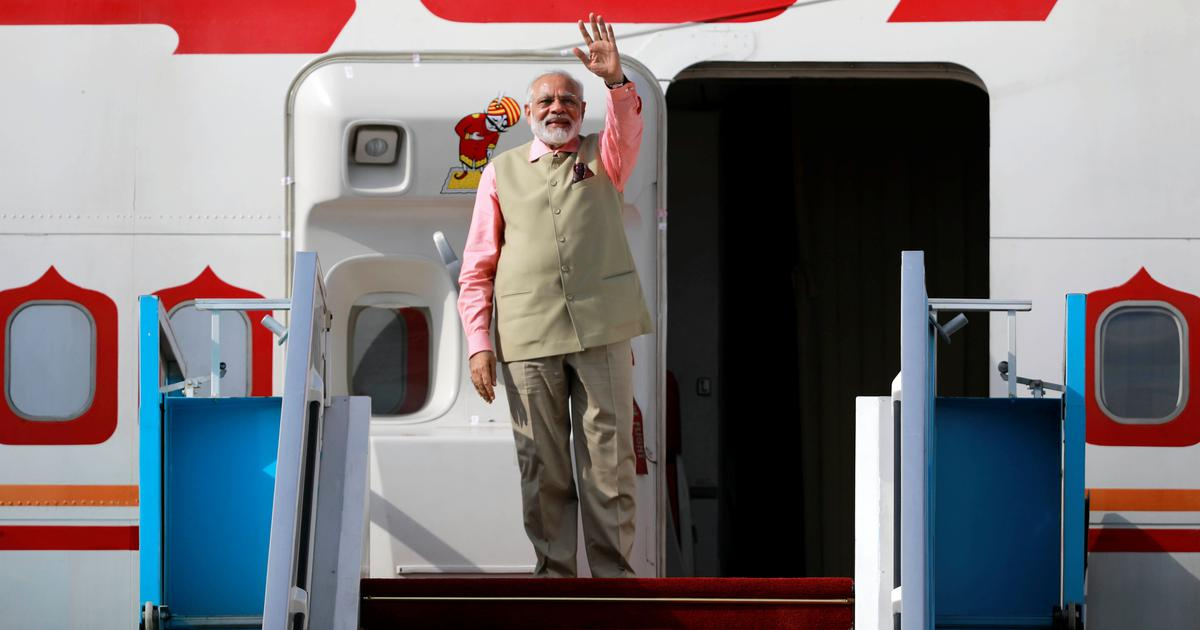 Disclose names of private citizens who accompanied Modi on foreign trips, CIC tells foreign ministry