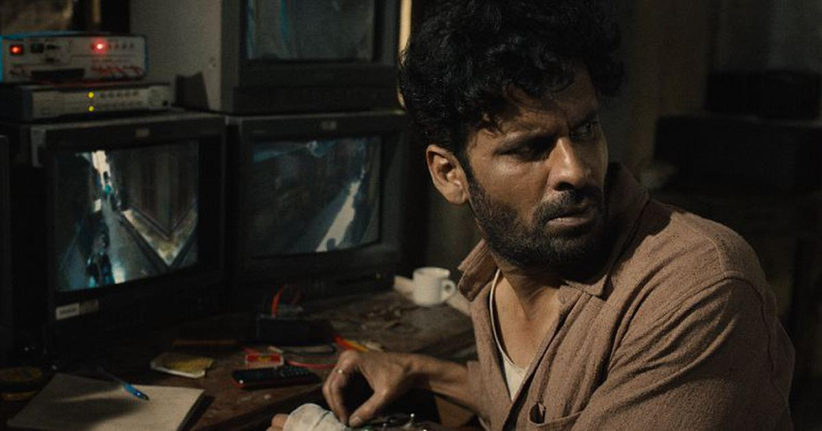 'Gali Guleiyan' film review: Manoj Bajpayee shines as a man trapped in Old Delhi and inside his head