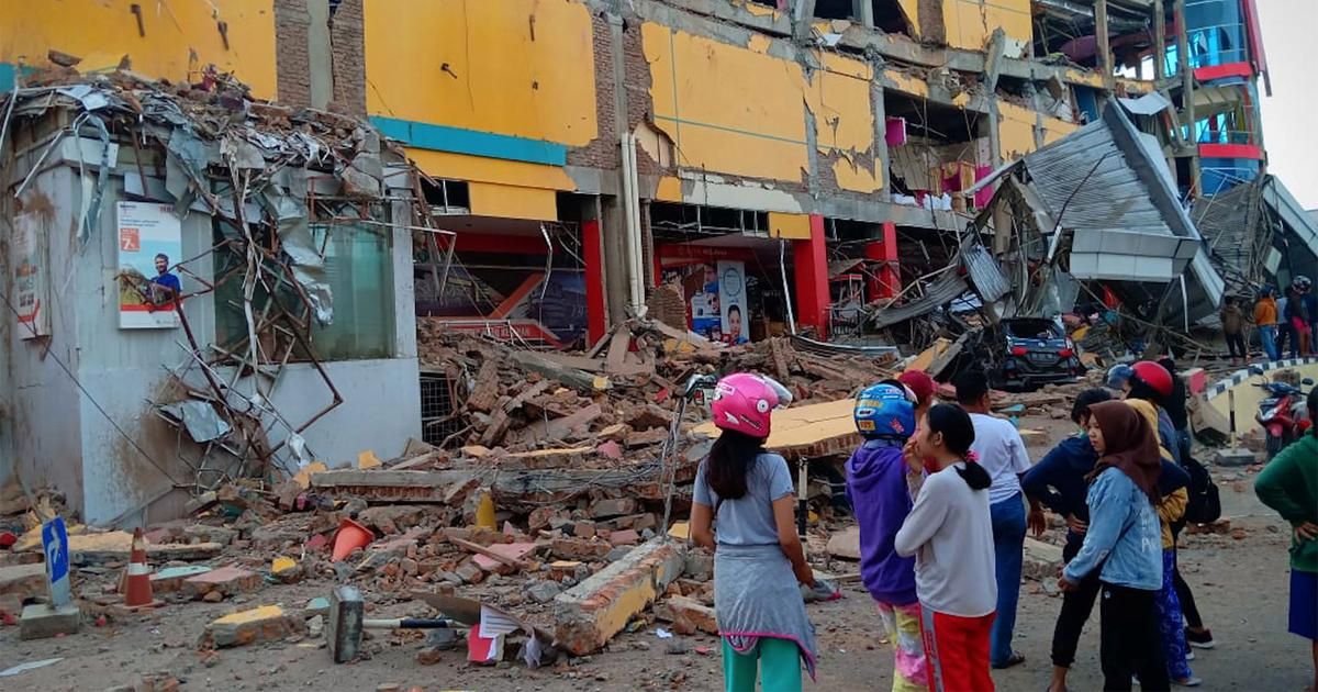 The big news: Toll in Indonesia's quake-triggered tsunami rises to 384, and nine other top stories