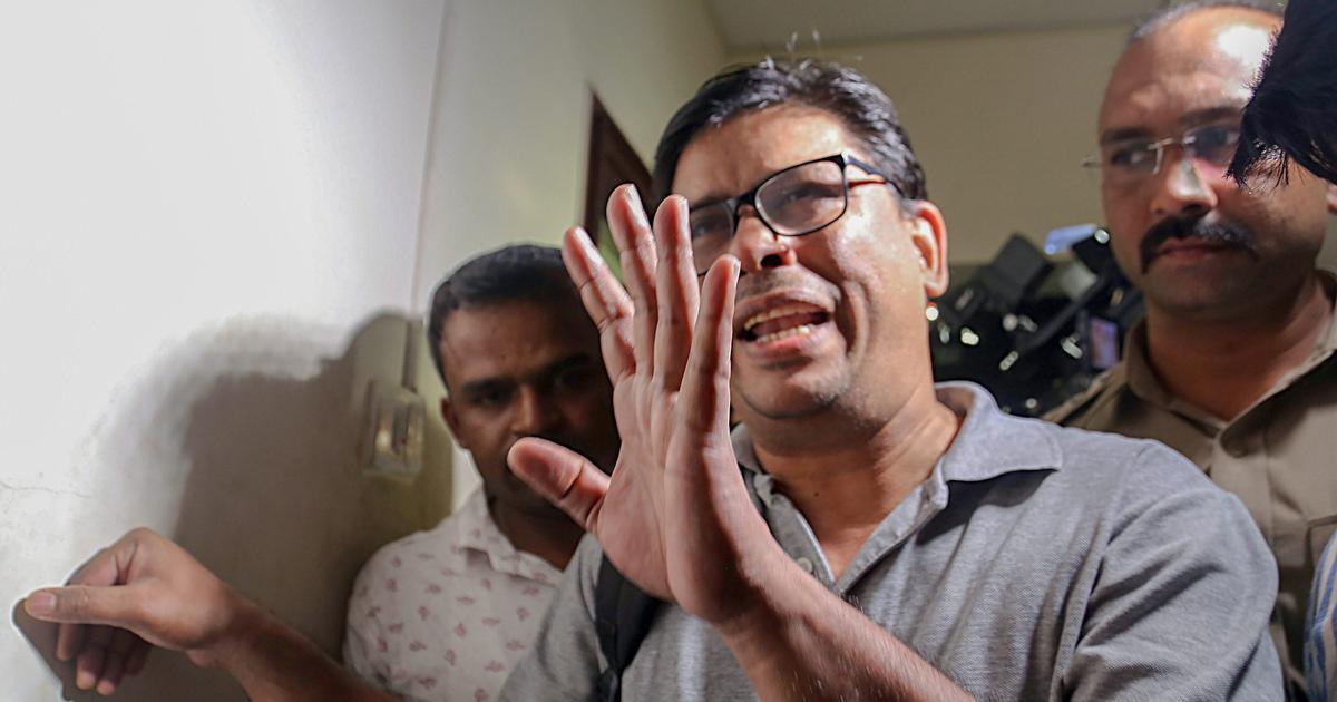 Activists Arun Ferreira, Vernon Gonsalves taken into custody after Pune court rejects bail plea