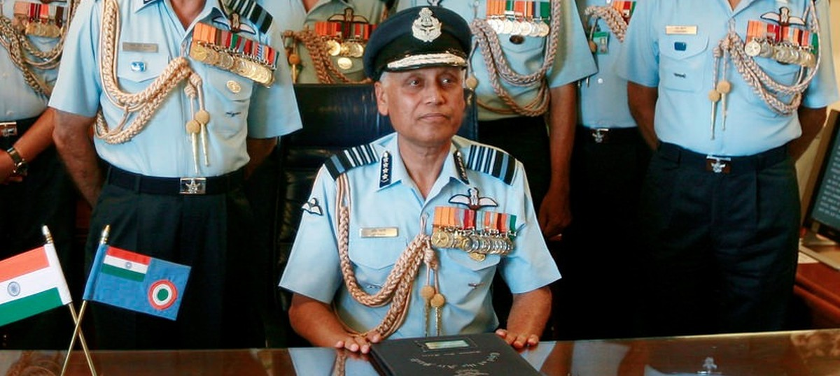 AgustaWestland deal: Court directs CBI to cancel Look Out Circular against former Air Force chief
