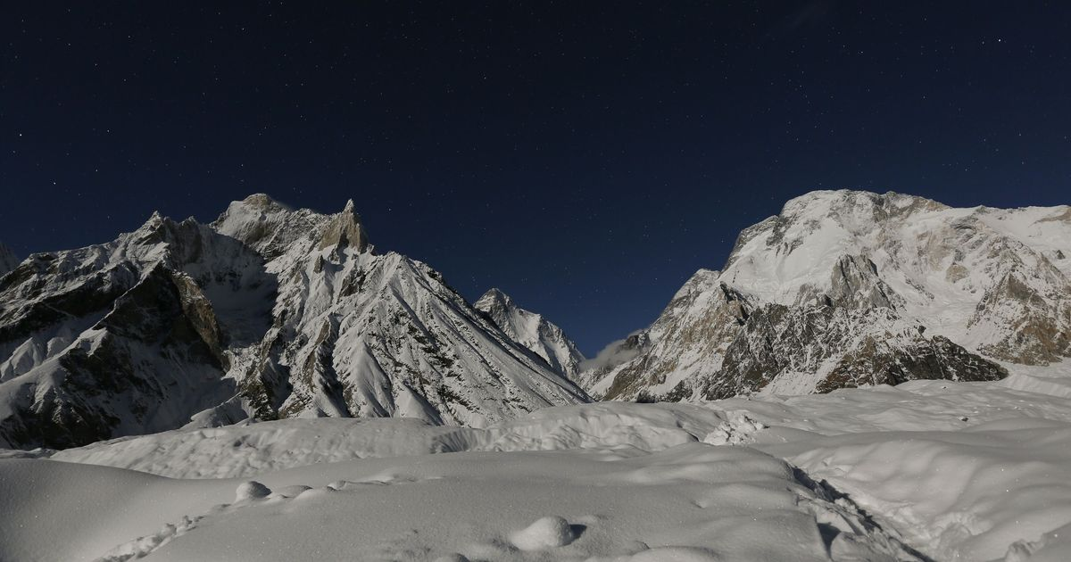 At least a third of Himalayan glaciers at risk because of climate change, says report