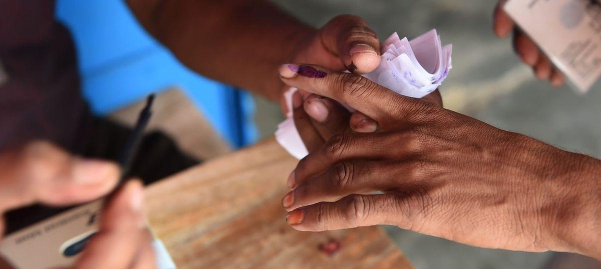 Uttar Pradesh: Villagers accuse BJP workers of bribing voters, forcefully applying indelible ink