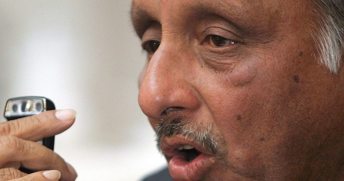 A non-Gandhi can lead Congress but Gandhis must stay active to resolve crises: Mani Shankar Aiyar