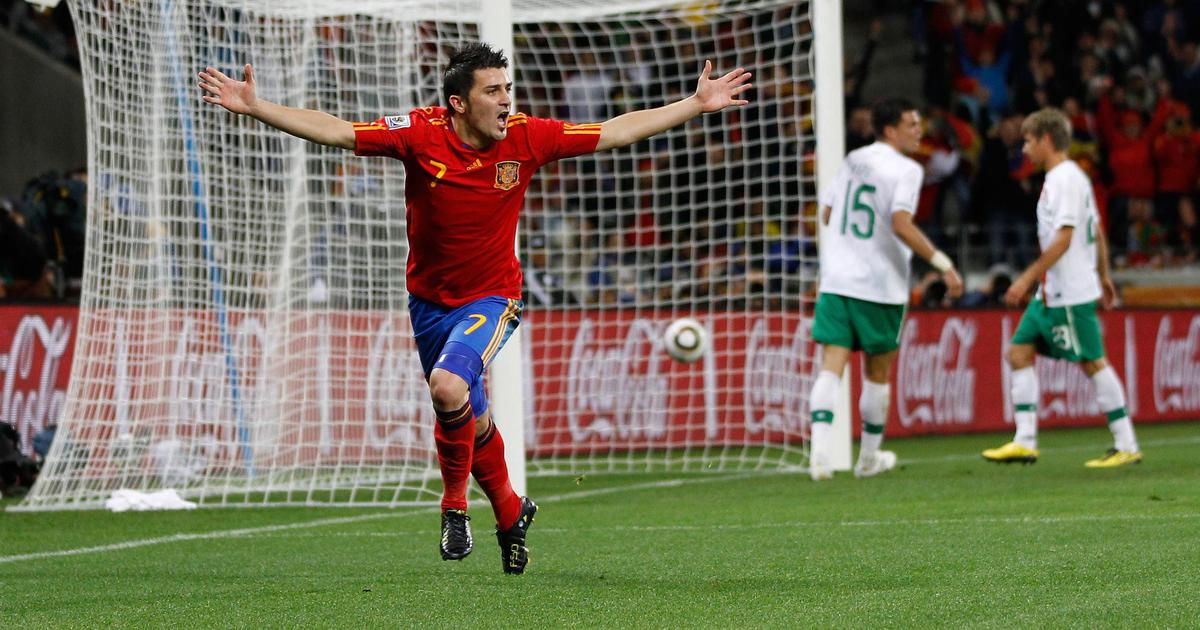 David Villa, Spain's all-time record goalscorer, to retire from football at end of the season