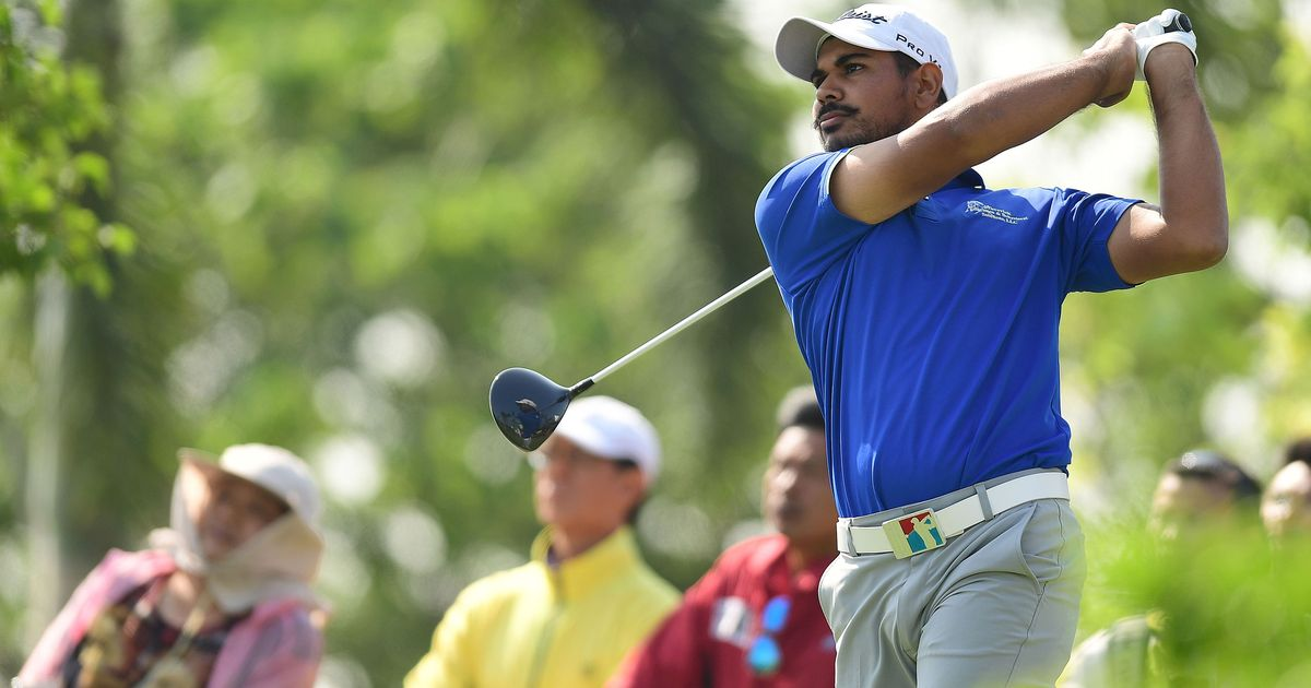 Golf: Gaganjeet Bhullar makes cut into next round at Dubai Desert Classic, Shubhankar Sharma exits