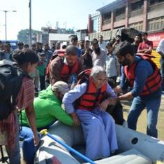 Flood-struck Kashmiris reach out across community lines to help neighbours