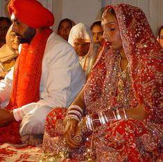 Three charts that show how Indian women are marrying later and leading more households