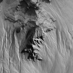 Dry ice, rather than flowing water, could have sculpted Mars gullies