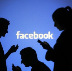 Supreme Court asks Centre if Facebook, Whatsapp can be prosecuted for circulating offensive posts