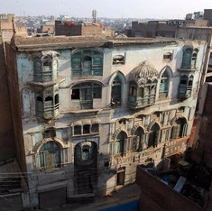 Peshawar's fragile links with Bollywood royalty are in ruins