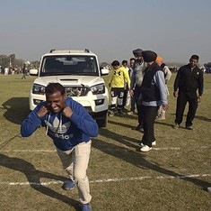 India's Rural Olympics: Participants pull cars with the ears, lift bicycles with their teeth