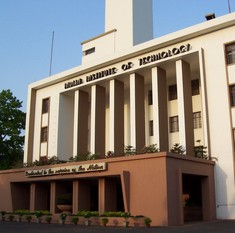 IIT fee hike only applies to freshers, HRD ministry clarifies