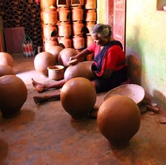 What happens when Meenakshi from Manamdurai beats a pot 3,000 times