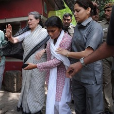 Congress talks about 'people's issues' in bid to deflect attention from corruption charges
