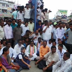 Is KCR redrawing Telangana's district boundaries to fix his political opponents?