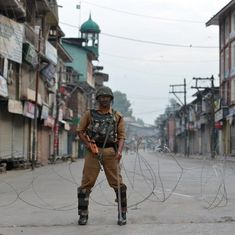 In South Kashmir, a month of curfew is taking a psychological toll