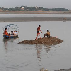 The dolphin, the fisherman and the holy river Ganga