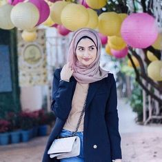 #Muslimahchic: The young and fashionable hijabi revolution on social media