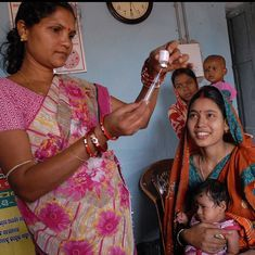 India is rationing its new polio vaccine to counter a shortage, but even that is not working