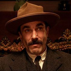 Three-time Oscar winner Daniel Day-Lewis announces retirement from acting