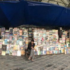 Video: On World Book Day, does the roadside bookseller make a profit in the age of e-books?