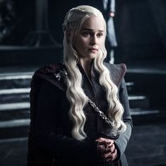 How 'Game of Thrones' became a global watercooler (piracy has something to do with it)