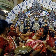 Why was a Bengali trolled for a video about eating egg rolls during Durga Pujo?