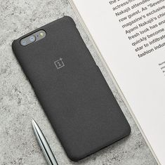 OnePlus users say pre-installed app allows easy root-level access to phone, company to fix it