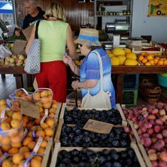 In food-crazy Italy, people are urging vendors to distribute unsold produce for free to the needy