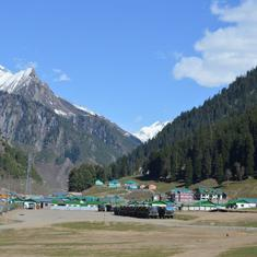 How Kashmir's famed mountain resorts are being turned into heavily polluted concrete jungles