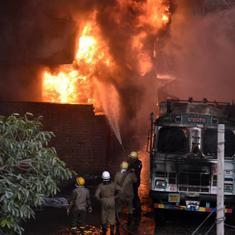 Delhi: Fire at rubber godown in Malviya Nagar still not doused, air force deploys chopper