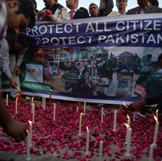 What's common in the attacks in India on Kashmiris and violence in Pakistan against Hindus, Sikhs?