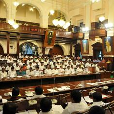 Tamil Nadu: Speaker issues notice to three pro-Dhinakaran AIADMK MLAs